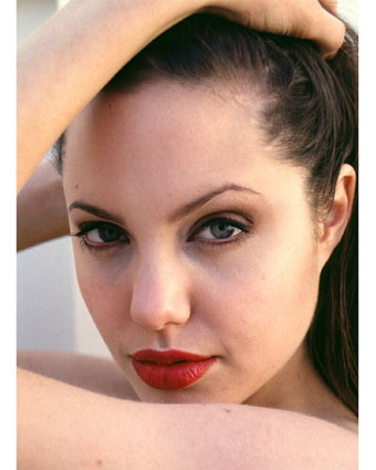 angelina jolie plastic surgery photos. angelina jolie without makeup