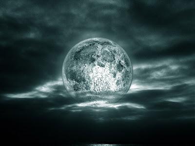 la luna no se inmuta