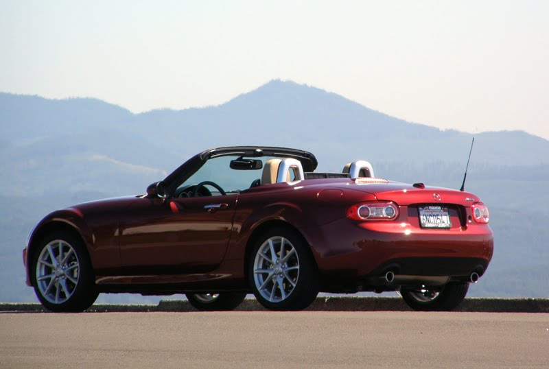 review 2010 mazda mx 5 miata grand touring prht top up. Black Bedroom Furniture Sets. Home Design Ideas