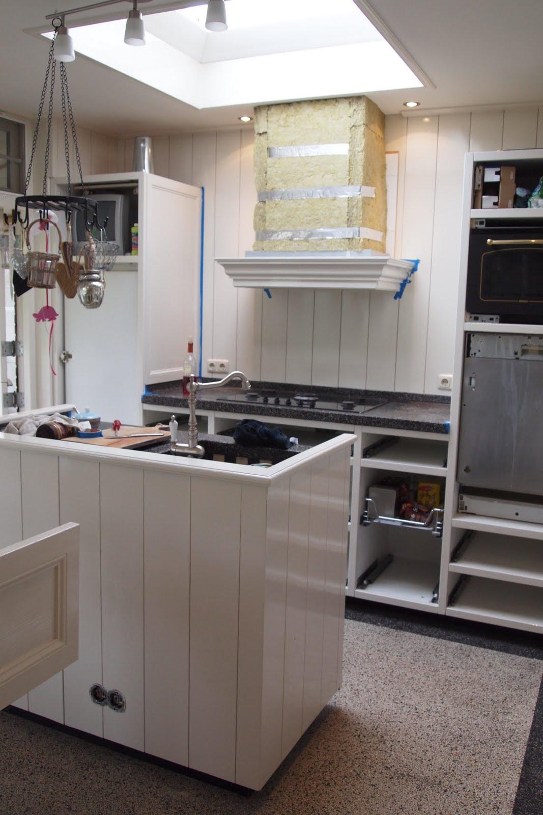 Keuken Schouw Hoogte : ons huis: Puntje…..van de actielijst: de keuken opnieuw schilderen
