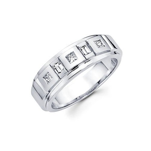 Today in the modern world mens diamond rings are very popular for modern