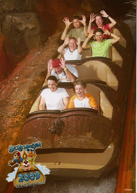Splash-Mountain-Mouse-Ears-Pose