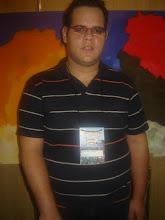 Filipe em sua exposição