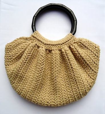 Crochet Designs For Bags : The lining inside. For those whos wondering how to sew the lining ...