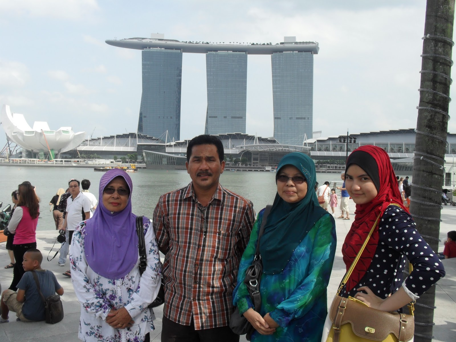 Blog Nur Afrah Trip Singapore