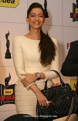 5 - Sonam Kapoor at Filmfare Awards Press Conference