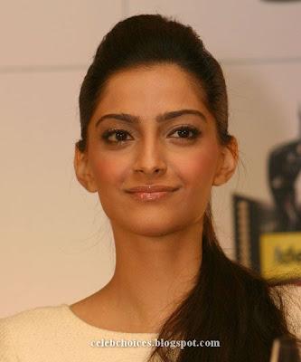 6 - Sonam Kapoor at Filmfare Awards Press Conference