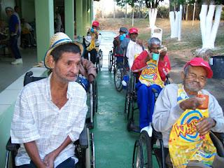 O Asilo São Vicente de Paulo – Lar Betânia – com mais de 105 anos de existência, atualmente atendendo 97 idosos