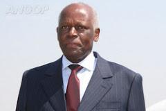 Presidente da República de Angola, Eng.º José E. Santos