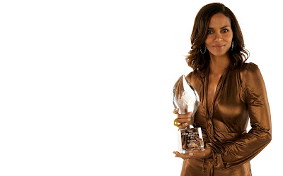 Halle Berry Beautiful Pic
