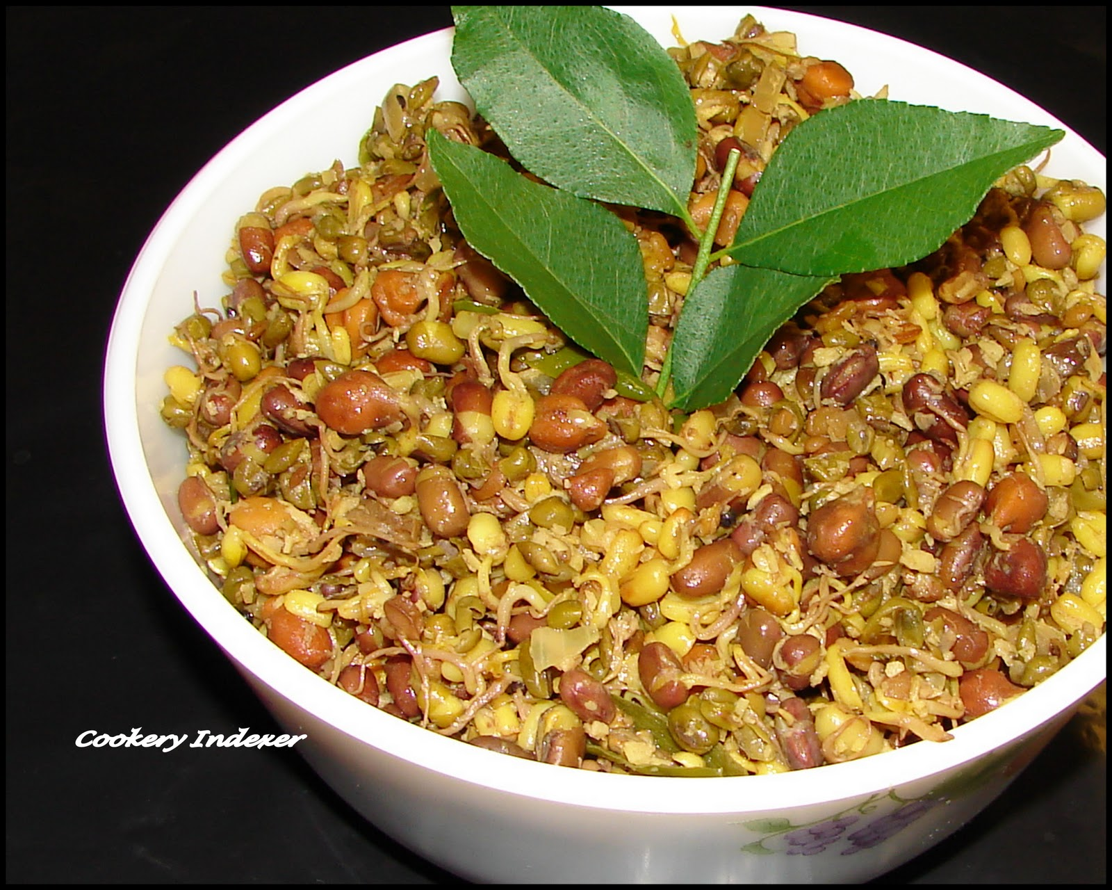 Regional Indian Cuisine Blogroll !: Mixed Sprouts Stir-fry (Thoran)