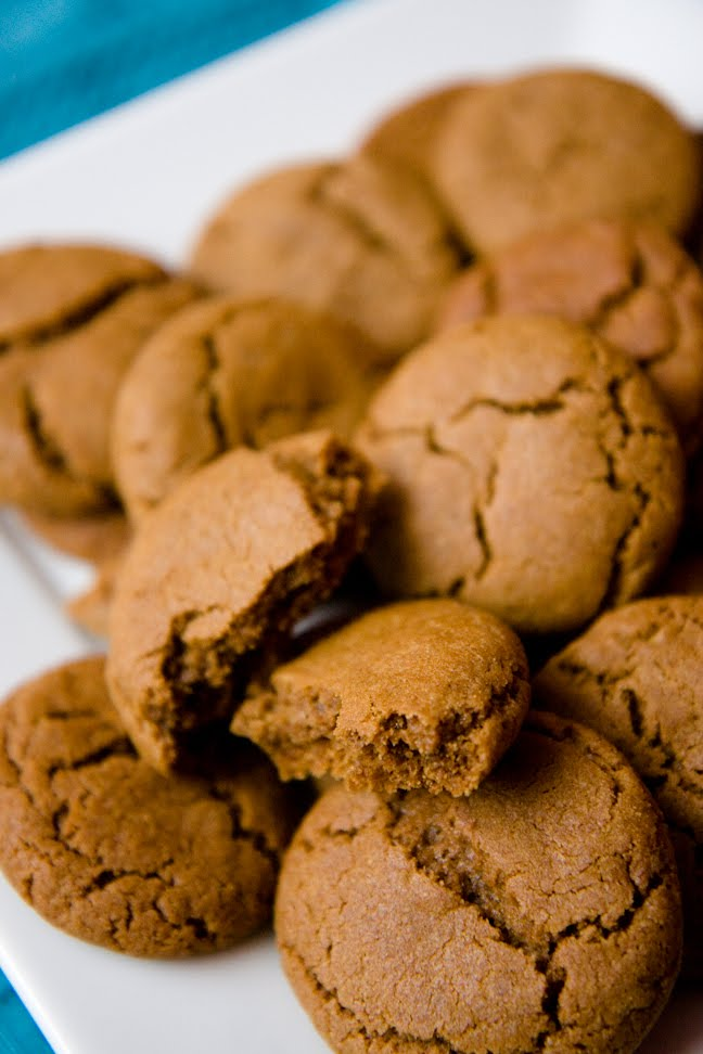 Gingersnap Cookies – Making Them Is a Snap!   Cupcake Project