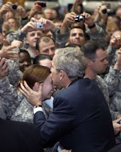 Troops give big welcome to Bush in Iraq - 12/14/2008