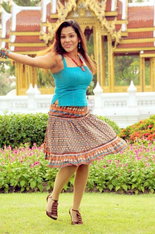 SandhyaKadhalsexy tight boob showwet armpitsseducing hot  gallerysexy photo galleryexposures Photoshoot images