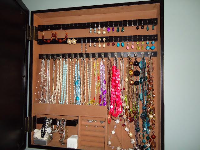 Jewelry Hooks | organizingmadefun.com