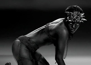 Rihanna-Rockstar-Video-101-Image2