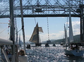 Tall ship enters Duluth Harbor