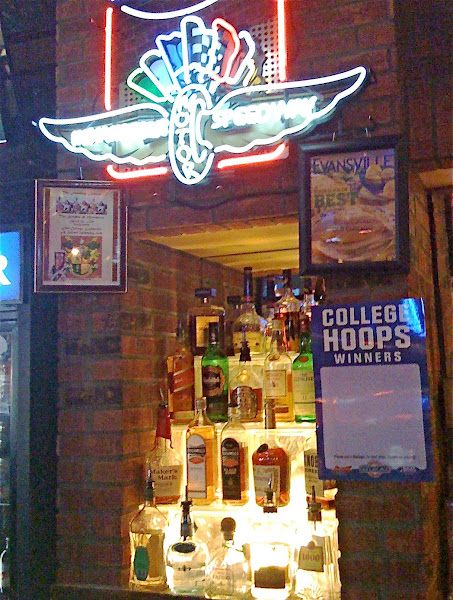 Old Chicago, Evansville, IN:  Sacred Watering Hole