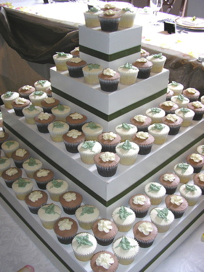 Large Cupcake Stands For Weddings