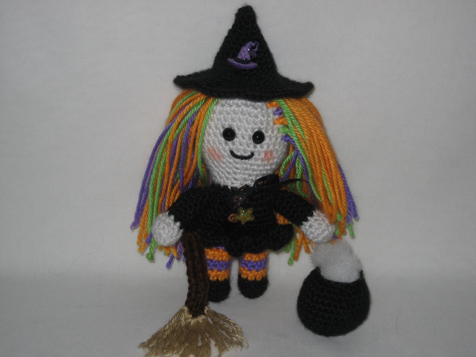 Free Amigurumi Patterns Halloween : 2000 Free Amigurumi Patterns: Witch