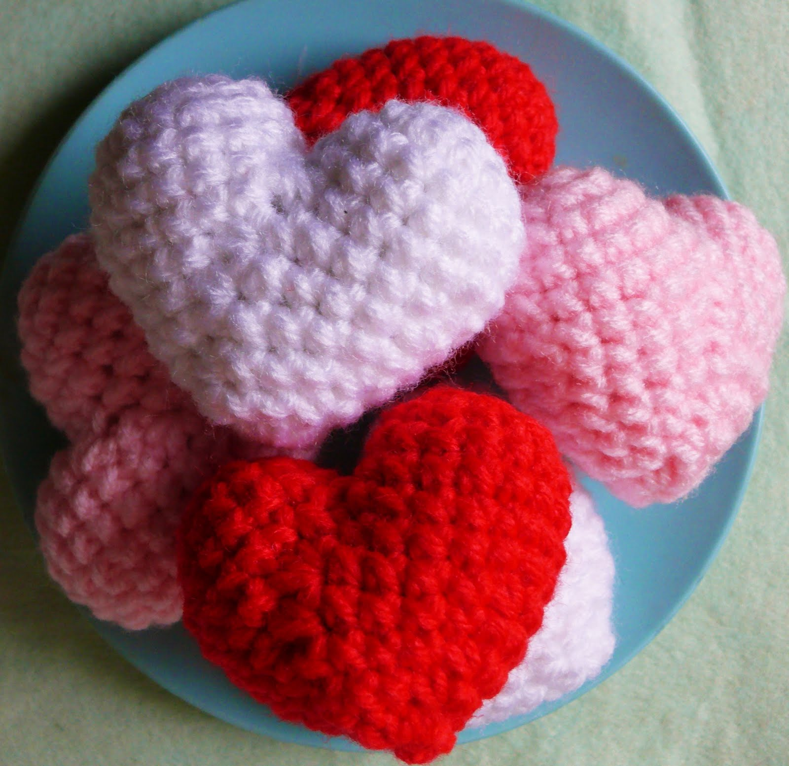 Amigurumi Heart : 2000 Free Amigurumi Patterns: Small Heart