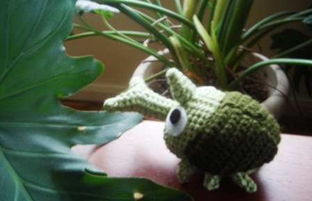 Amigurumi Beetle : 2000 Free Amigurumi Patterns: Rhinoceros Beetle (Japanese)