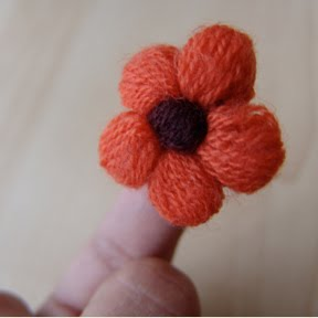 Amigurumi Flower Free Pattern : 2000 Free Amigurumi Patterns: Crochet mini puff blossoms