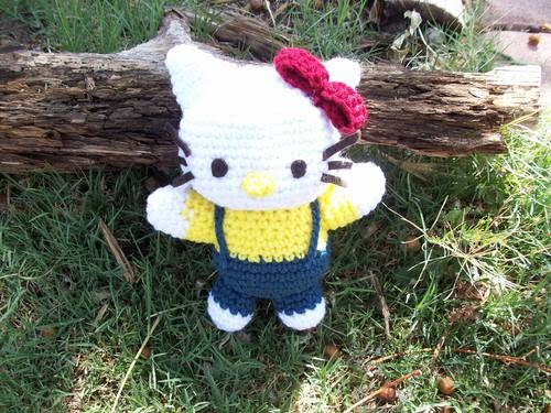 2000 Free Amigurumi Patterns: Free Hello Kitty Pattern