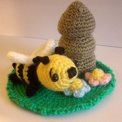 Amigurumi Pattern Bee : 2000 Free Amigurumi Patterns: Bee