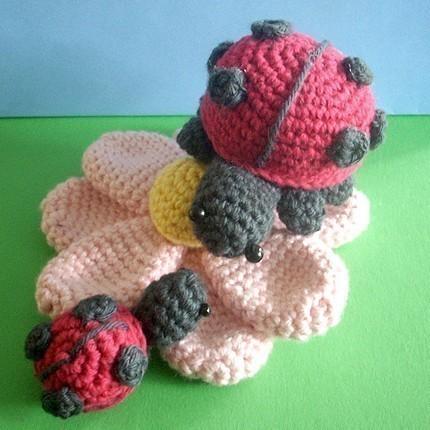 Amigurumi Ladybug : 2000 Free Amigurumi Patterns: Ladybug
