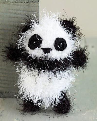 Panda Amigurumi Free Crochet Pattern : 2000 Free Amigurumi Patterns: Panda
