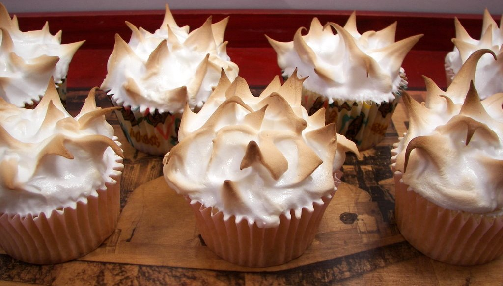 Lemon Meringue Cupcake
