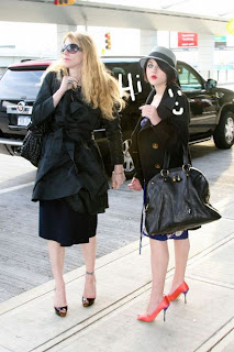 Celebrities in YSL Handbag | I Love Fashion