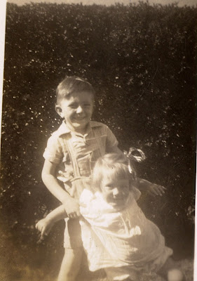 Barry and Julie, Hornsby 1950 (Baz 5, Julie 2)