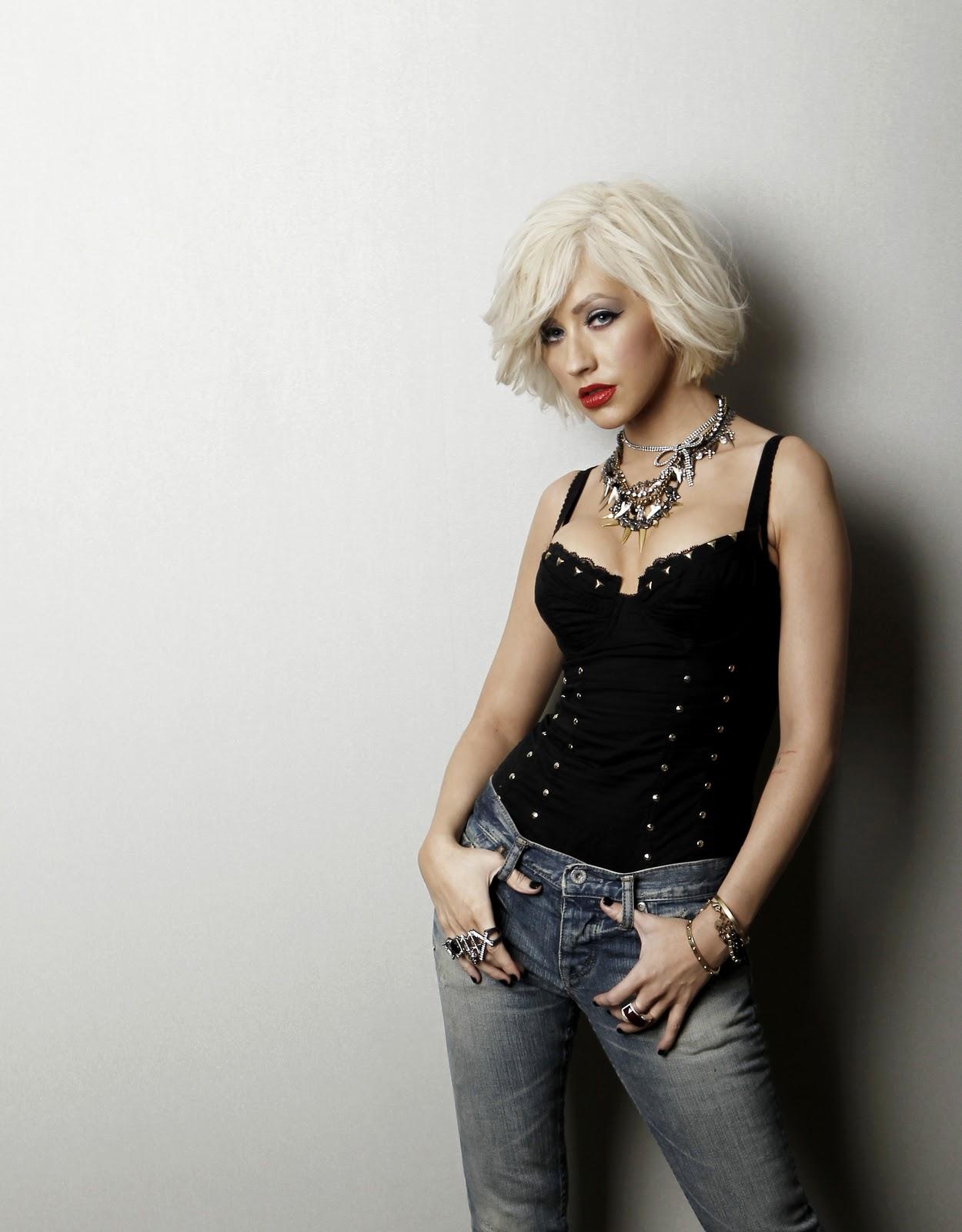 http://4.bp.blogspot.com/__UKa_QKl9dE/TT14Vy7DBPI/AAAAAAAABys/C5BQ5GK8b_g/s1600/Christina+Aguilera+-+Matt+Sayles+Photoshoot+2010+%257Bilovemediafire.blogspot.com%257D++%25286%2529.jpg