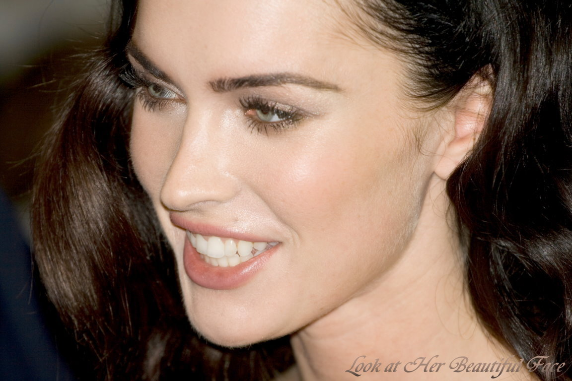 Look At Her Beautiful Face: Look At Megan Fox Beautiful Face