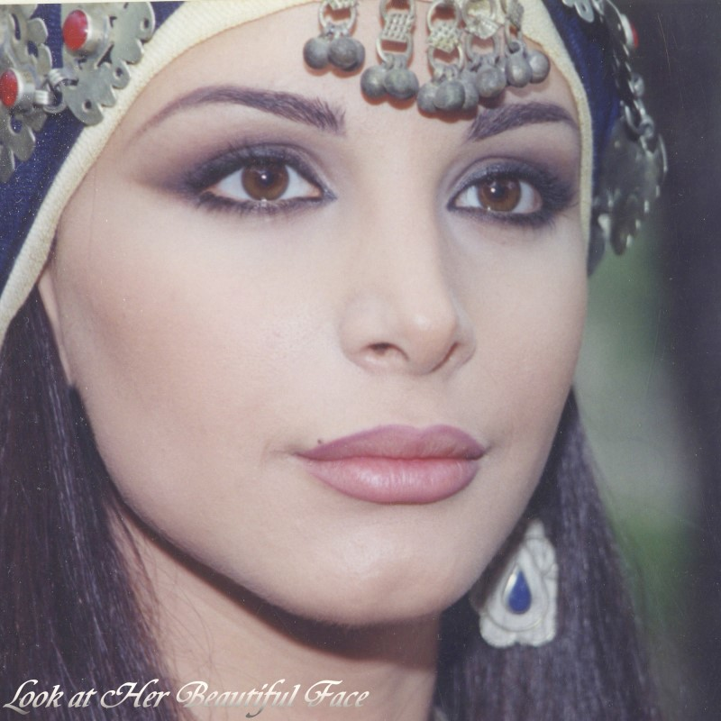 Look At Her Beautiful Face Look At Joelle Behlok