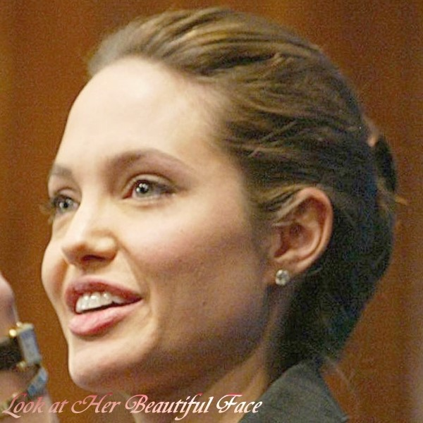 Look At Her Beautiful Face: Look At Angelina Jolie ...