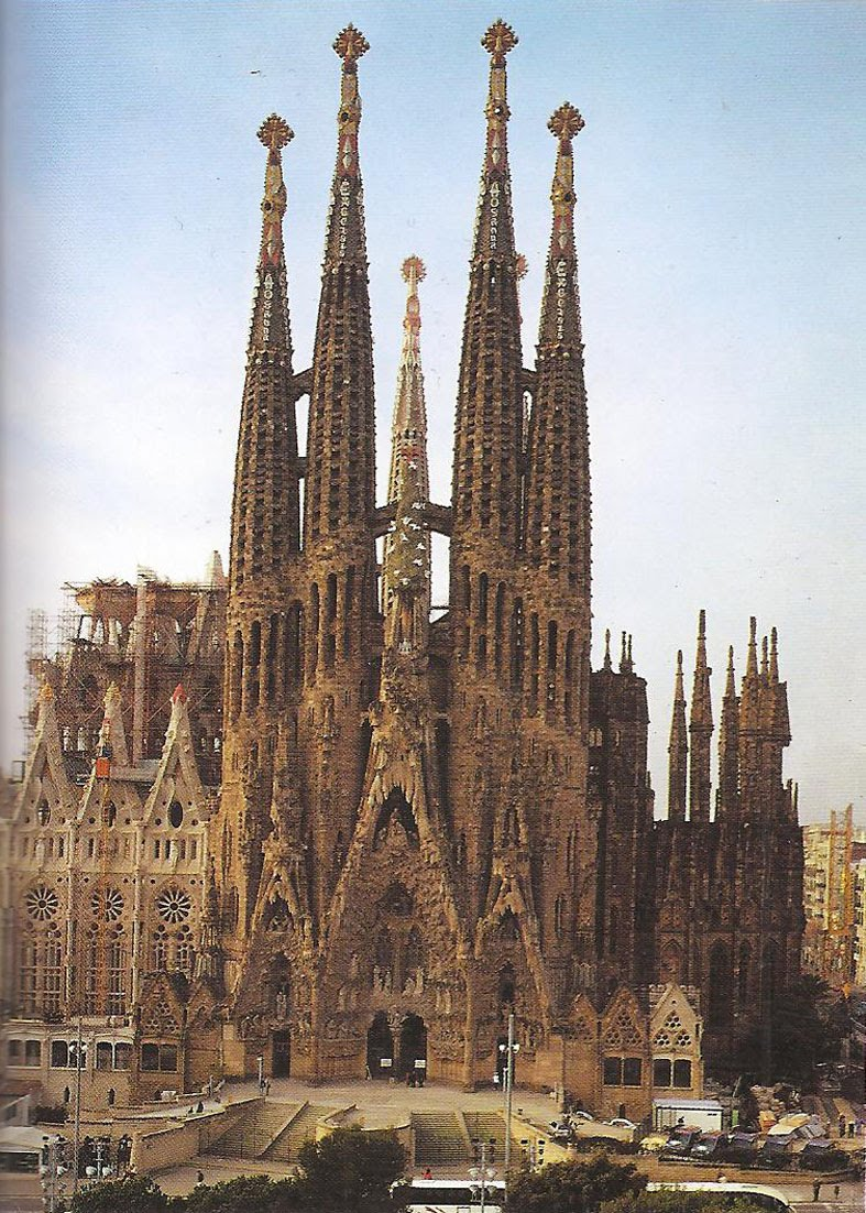 Margaret goldsack arch 1390 temple of the sagrada familia for Familia barcelona