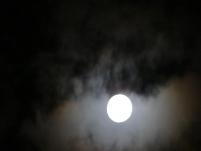 Fotos de La Luna / cielo 3/febrero/2010  y Avistamientos Ovni