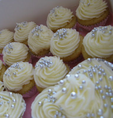 Melinda 39s wedding cupcakes