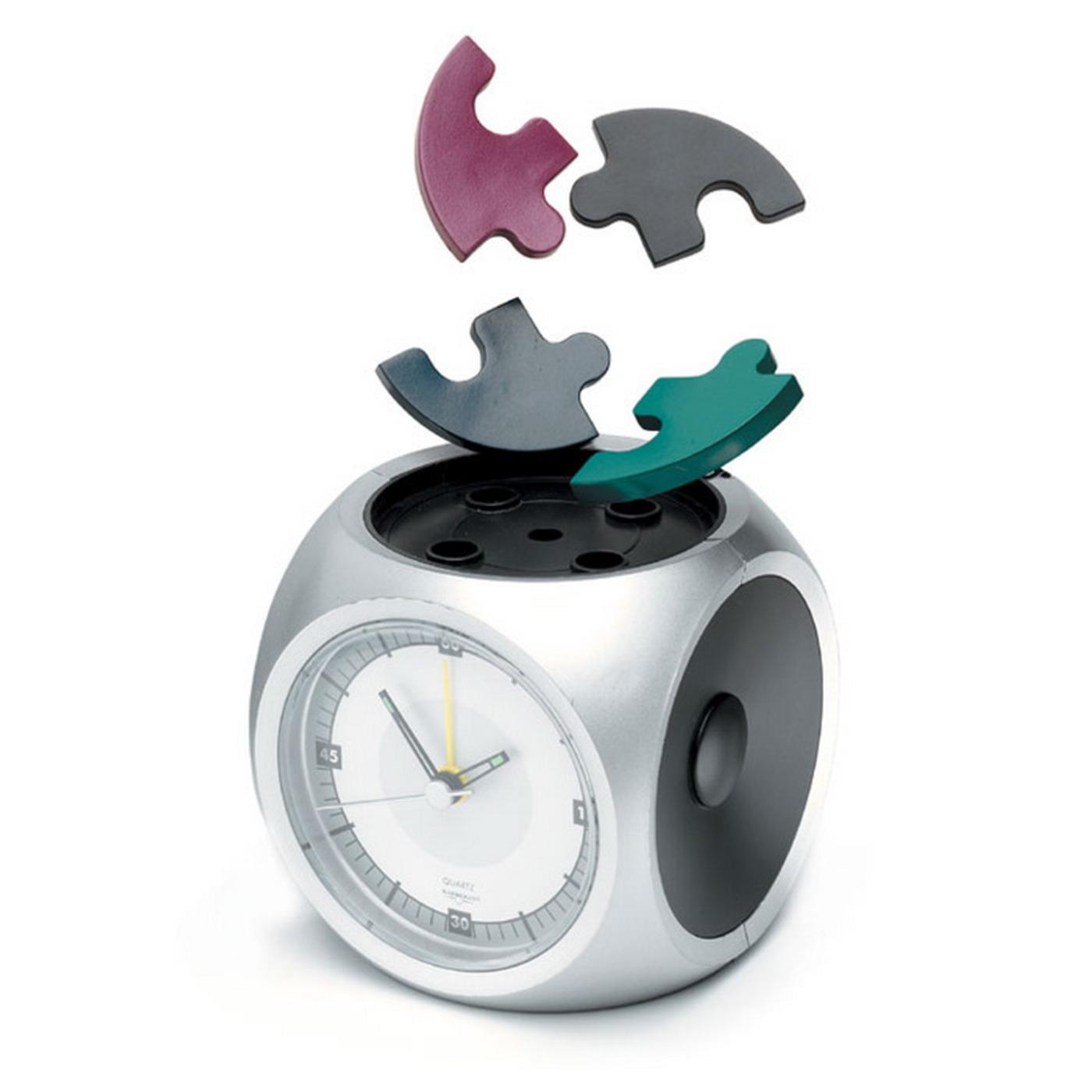 http://4.bp.blogspot.com/__ZSELbzEqO8/TLQrK5s-OHI/AAAAAAAAACw/Ewnar6EWVmU/s1600/puzzle+alarm.jpg