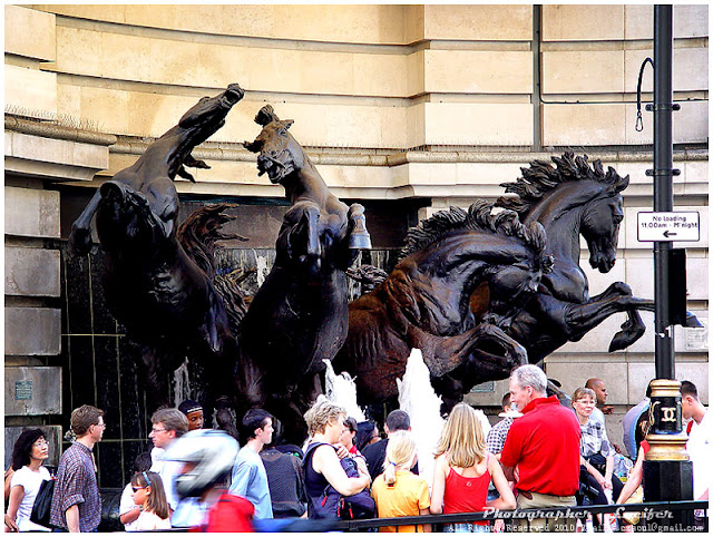 Camera Photo London UK Statue Horses