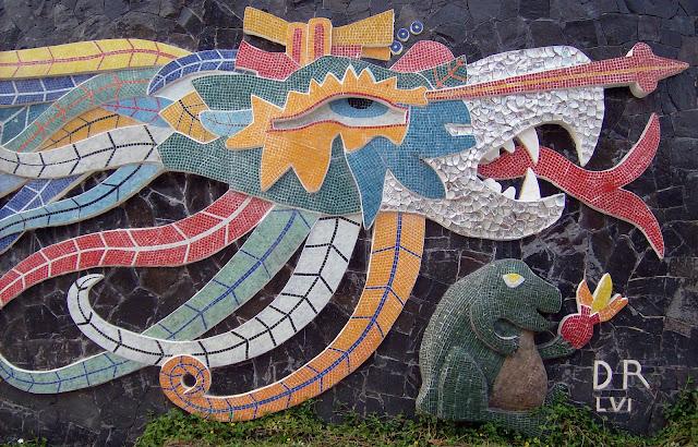 Quetzalc atl les repr sentations du serpent plumes for Mural quetzalcoatl