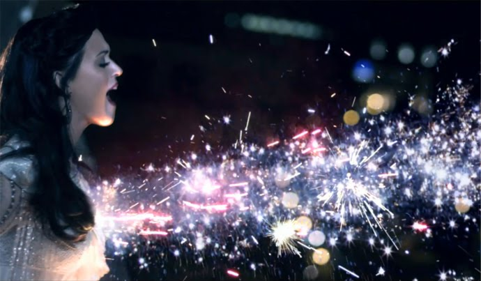 Katy Perry premieres Firework video