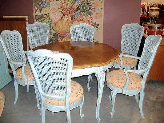 Vintage French Provincial Dining Table Chairs/buffet