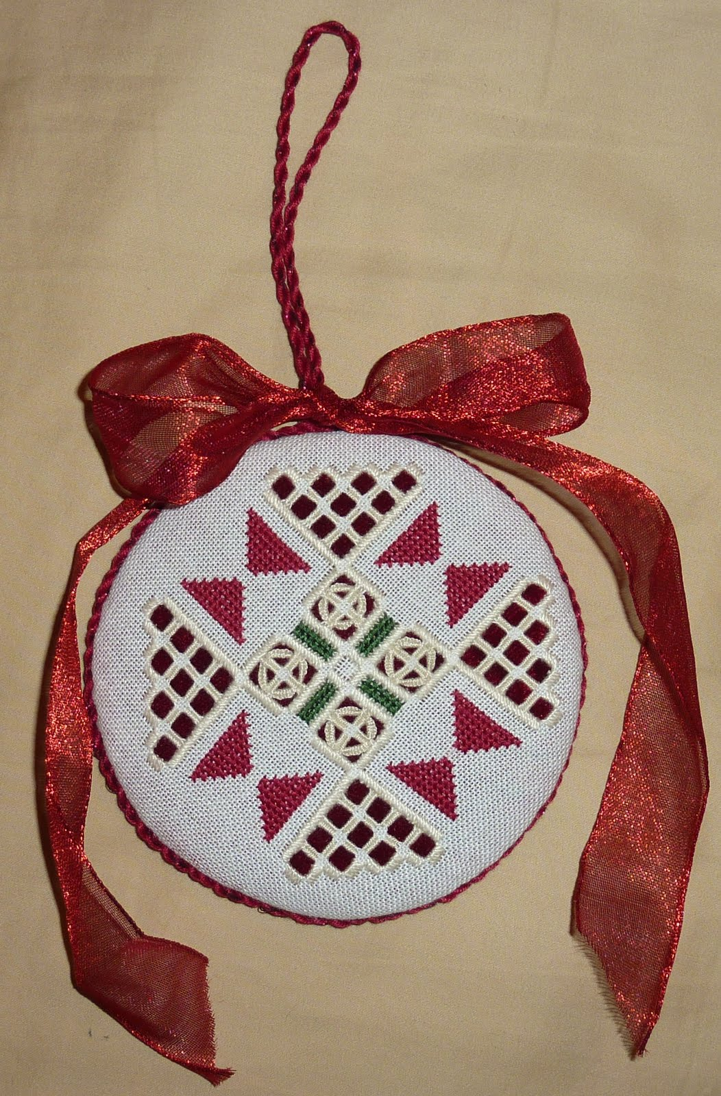 Summer\'s Snippets: Some Christmas stitching...