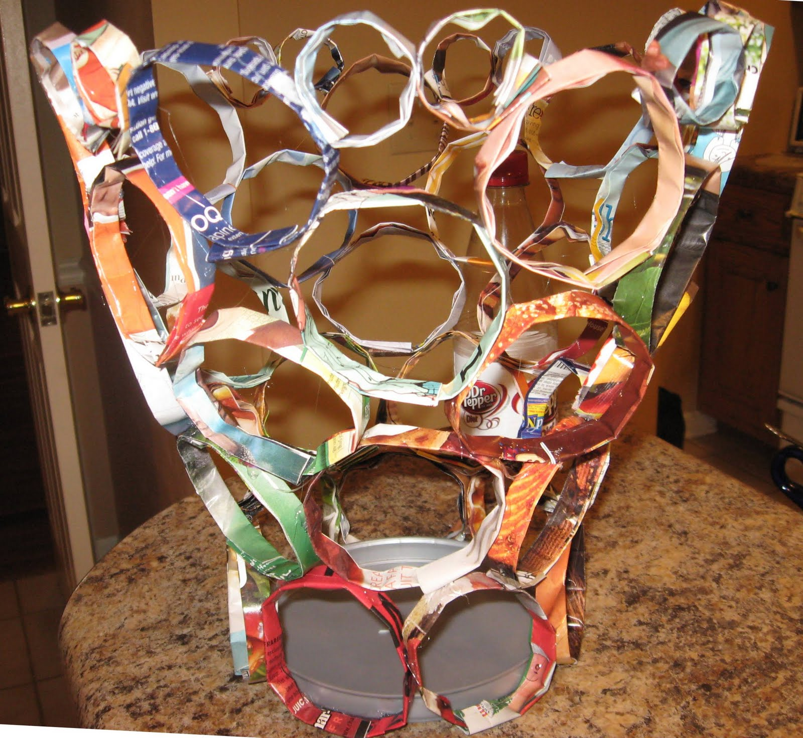 Recyclers anonymous creative recycled projects on a - Recycled can art projects ...