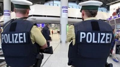 Destituyen a policía alemán por tener relaciones sexuales en la misa de Año Nuevo