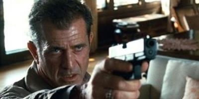 Mel Gibson duerme armado